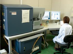 自動セルソーター(自動細胞解析分取装置)